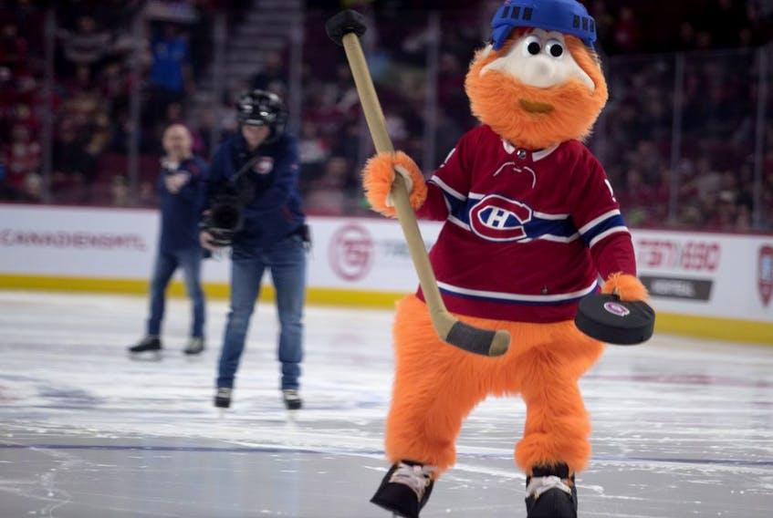 MONTREAL, QUE.: JANUARY 20, 2019-- Youppi gets ready to make a shot during a skills competition in Montreal on Sunday January 20, 2019. (Allen McInnis / MONTREAL GAZETTE) ORG XMIT: 62001