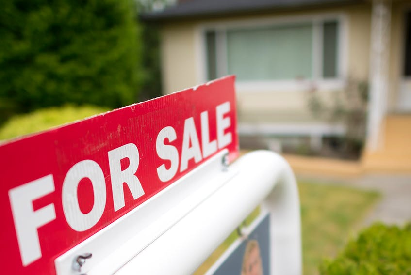 The aggregate price of a home in Calgary remained relatively flat year over year, decreasing 0.2 per cent to $465,273.