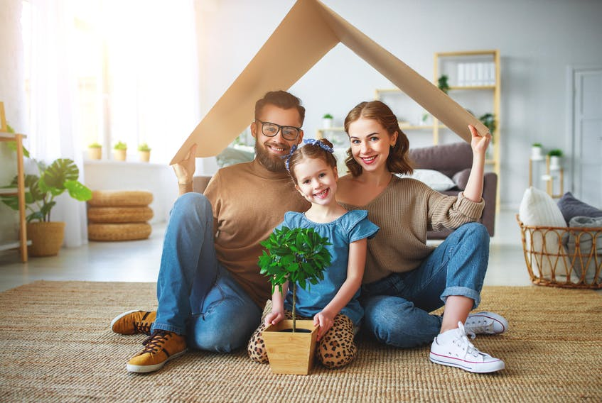 Working with a mortgage broker can help you navigate the homebuying process. - 123RF Photo.