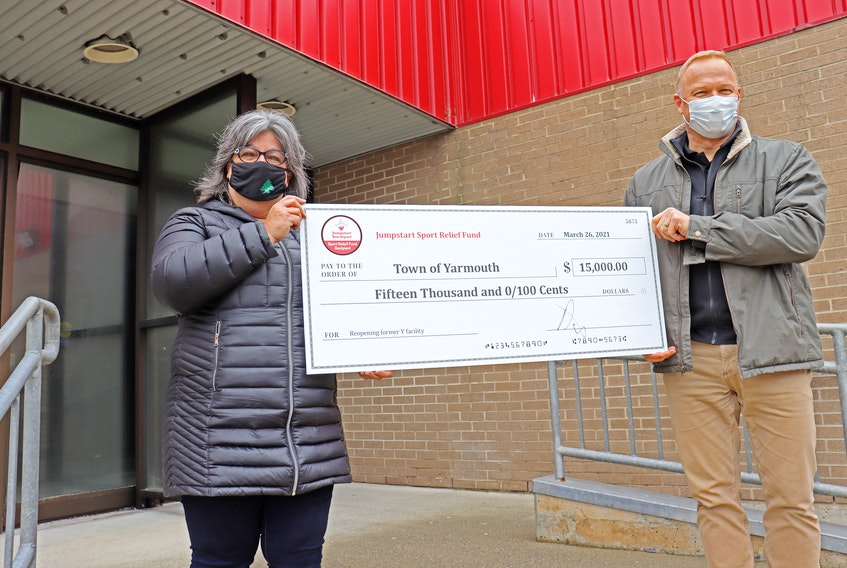 Mayor Pam Mood and Yarmouth Canadian Tire Owner/Dealer Darcy DeSutter. CONTRIBUTED