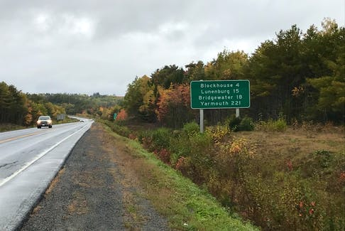 Sheldon MacLeod stopped to have a conversation with Jeff Fillmore just outside of Bridgewater, N.S., on the final leg of his long journey home.