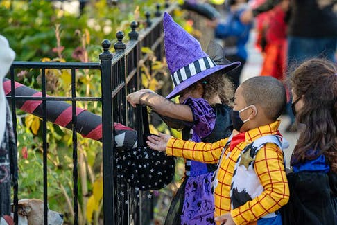 For children with food allergies and their parents, trick-or-treating can be stressful.