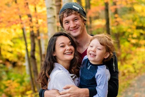 Max Hinch, pictued here in this family photo with son Jace and fiancee Kimmie Robb. - GoFundMe