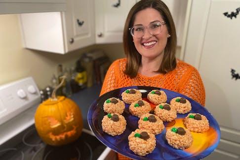 The perfect edible pumpkin treat for a spooktacular pumpkin carving event. – Paul Pickett photo
