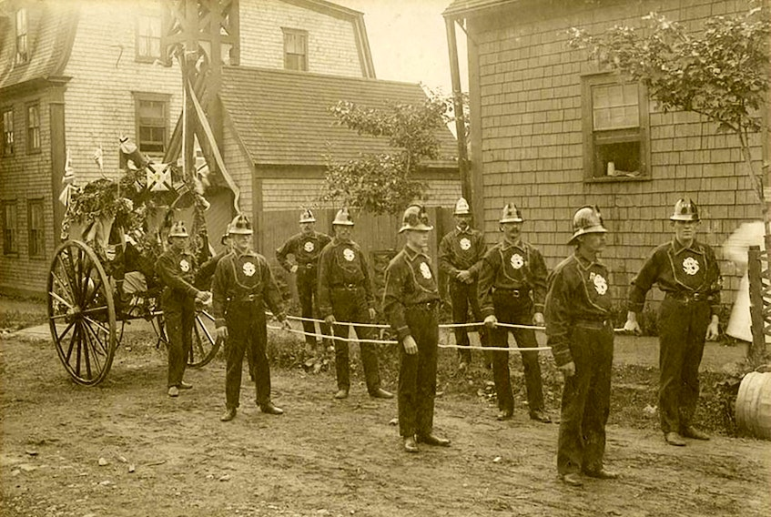These may have been among the last of Sydney's volunteer firefighters. The fire engine is of the same type that the military donated with long handles for the horses to pull the engine. Contributed • Sydney Fire Department, circa 1900. Photographer unknown. 77-394-528, Beaton Institute, CBU