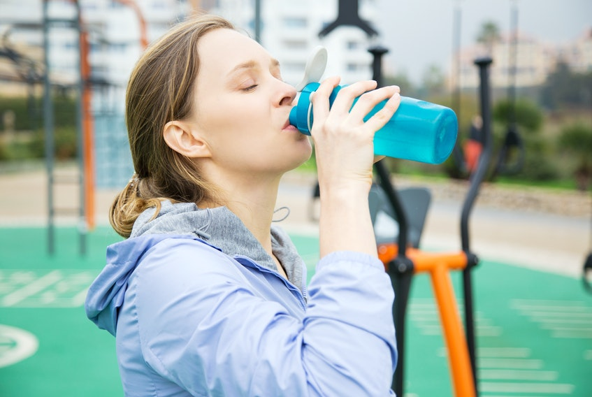 To keep track of water intake, figure out how many times you need to fill a water bottle to hit your daily requirement. Keep track of how many times you've filled it by putting an elastic band around the bottle and removing them each time you fill it.
