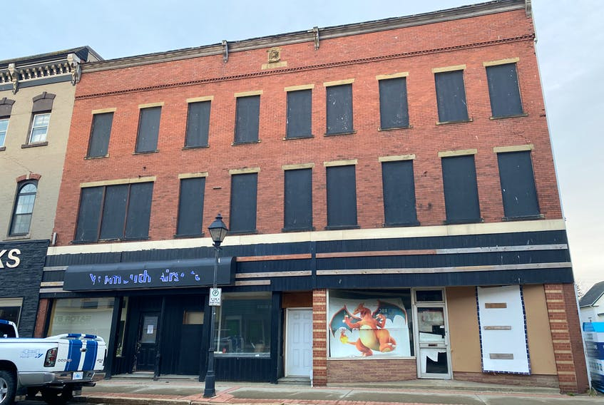 The property at 305 Main Street in Yarmouth has been the topic of discussion and needed attention many times over the years. The latest discussion is whether demolition of a portion of it should proceed. TINA COMEAU • TRICOUNTY VANGUARD