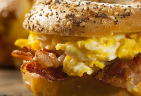 The pandemic has prompted many people to turn to comfort foods, and the humble breakfast sandwich is one of them. Breakfast sandwiches offer endless creativity in terms of toppings, how you cook your eggs, and which kind of bread you choose.