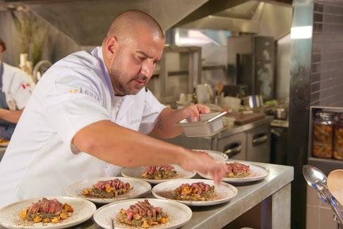 The Annapolis Valley's own Stéphane Levac appeared in the season debut of Top Chef Canada on April 19. – Food Network Canada