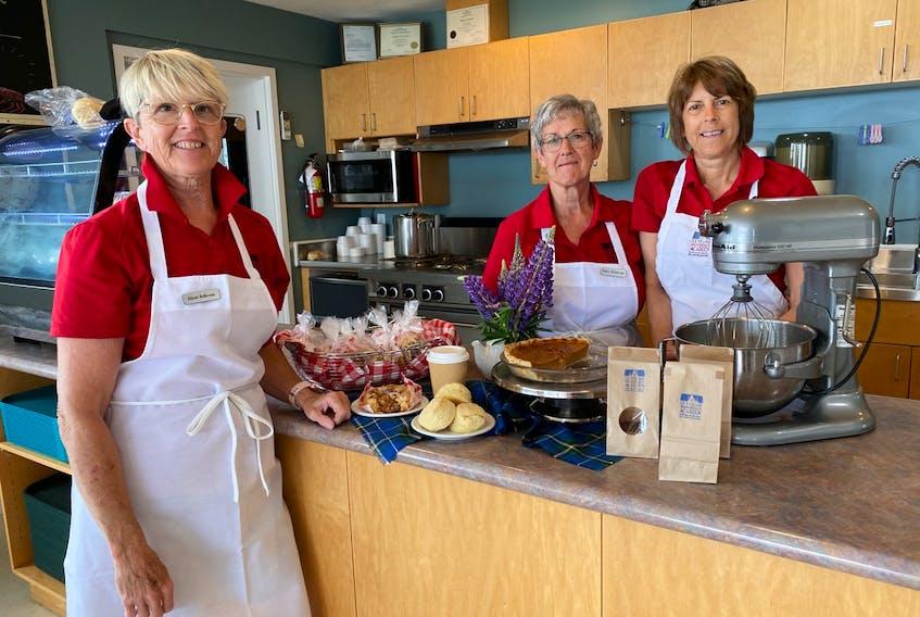 Friendly faces at Café du Crique: Alison Belliveau, Nancy Nickerson and Sheila d'Entremont. CARLA ALLEN • TRICOUNTY VANGUARD