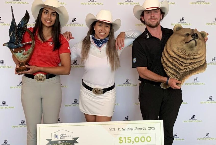 From left, Angela Arora, Christine Wong and Ashton McCulloch were crowned champions at the 2021 Digital Commerce Bank Glencoe Invitational. (Courtesy of Glencoe Invitational)