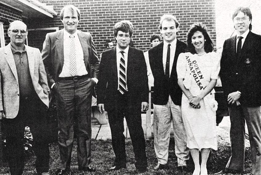 More than 100 people signed up for the Windsor Schooners Celebrity Sports Dinner in 1986. Pictured, from left, are Forbes Kennedy, Dan Maloney, organizer Dan Boyd, Wendall Young, Queen Annapolisa Julianne Doucette, and Al Hackner.