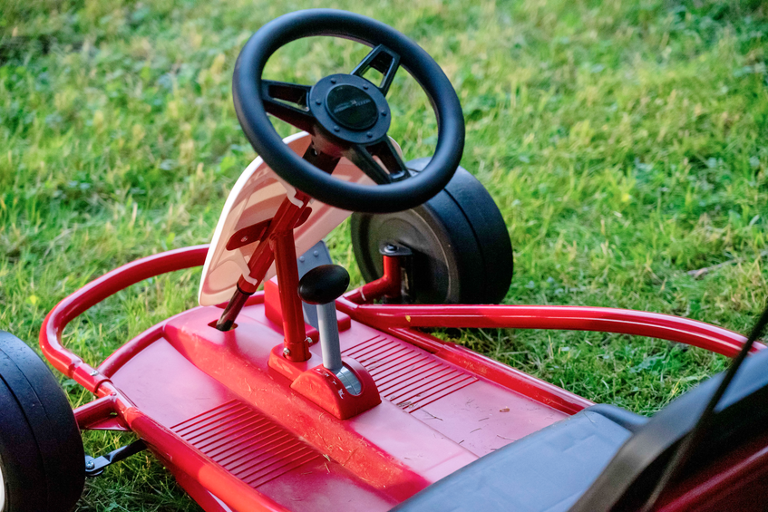 The Go-Kart has a small but functional lap belt, and no brake pedal. As soon as the driver comes off the accelerator, the electric motor stops it. Postmedia News - POSTMEDIA
