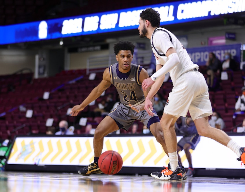 Dartmouth's Kellen Tynes, left, plays defence for Montana State during a 2020-21 NCAA Division 1 basketball game. - Montana State University - Contributed