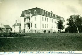 The Fort Alexander School was built on land on the Fort Alexander Reserve (now the Sagkeeng First Nation) in southeastern Manitoba in 1905. National Centre for Truth and Reconciliation Archives