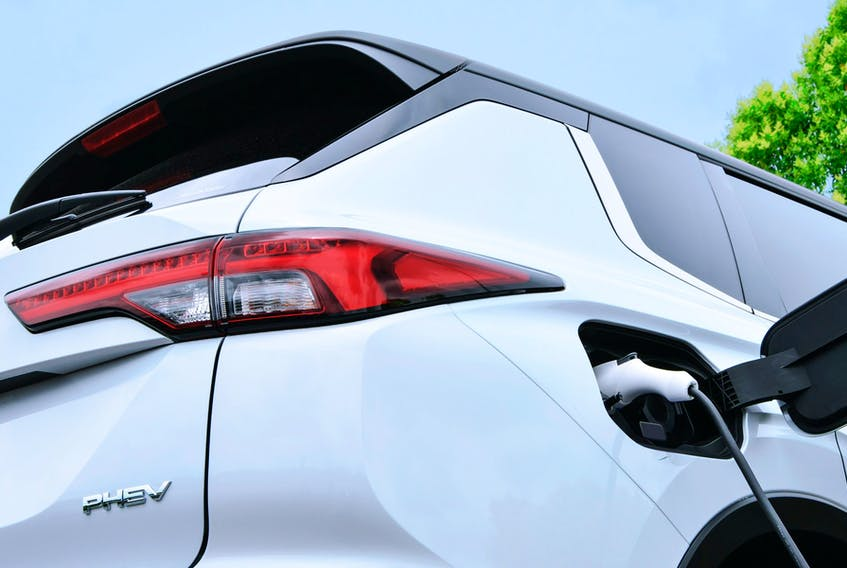 Mitsubishi has announced the imminent release of the 2022 Outlander PHEV, and dropped a couple photos of the vehicle's rear end. North Americans will have to wait for the new SUV until some time in the second half of 2022.