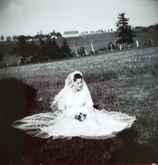 Caryl Cummings, Clow's grandmother, was the initial owner of the wedding dress. Cummings wore it at her wedding in 1955.