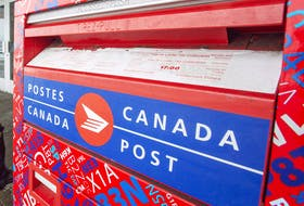 Canadians voting by mail have until the minute their local riding polls close on Sept. 20 to get their envelope to Elections Canada.