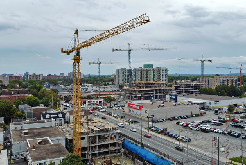 OR FILE/STANDALONE: A flock of construction cranes can be seen looming over the Robie and Almon Street area, in Halifax Thursday September 16, 2021.  TIM KROCHAK PHOTO