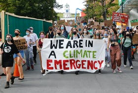 FOR NEWS STORY: Hundreds of students march through the city, seen here as they marched to Province House, during a student-led Climate Strike demonstration and march in Halifax Friday September 24, 2021.  TIM KROCHAK PHOTO