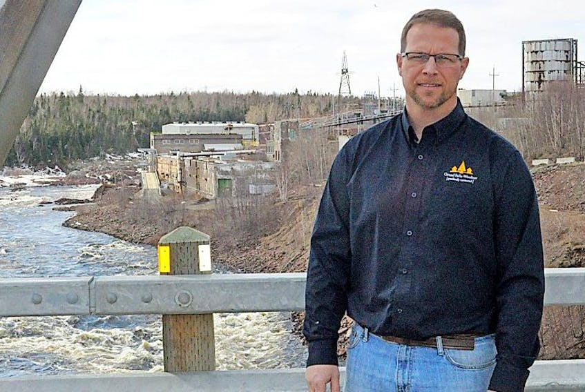 Mayor Barry Manuel is concerned with the amount of time it is taking the provincial government to make a decision on a memorandum of understanding. Newgreen Technology has requested the allocation of 285,000 cubic meters of fiber for a proposed Biofuel plant in Botwood.