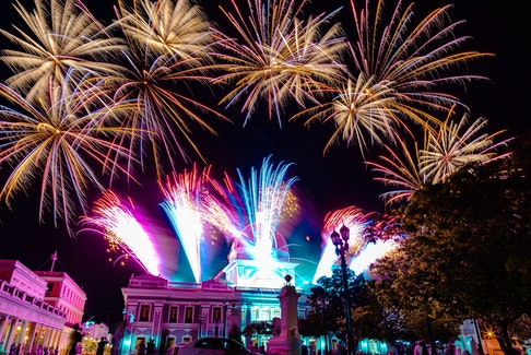 Fireworks FX are no strangers to putting on explosively good shows in Cuba. This burst of colour from the 200th anniversary of the City of Cienfuegos attests to that.