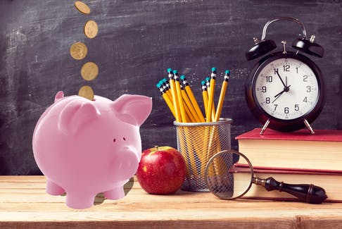 Image for use on editorial pieces regarding teachers' pensions.