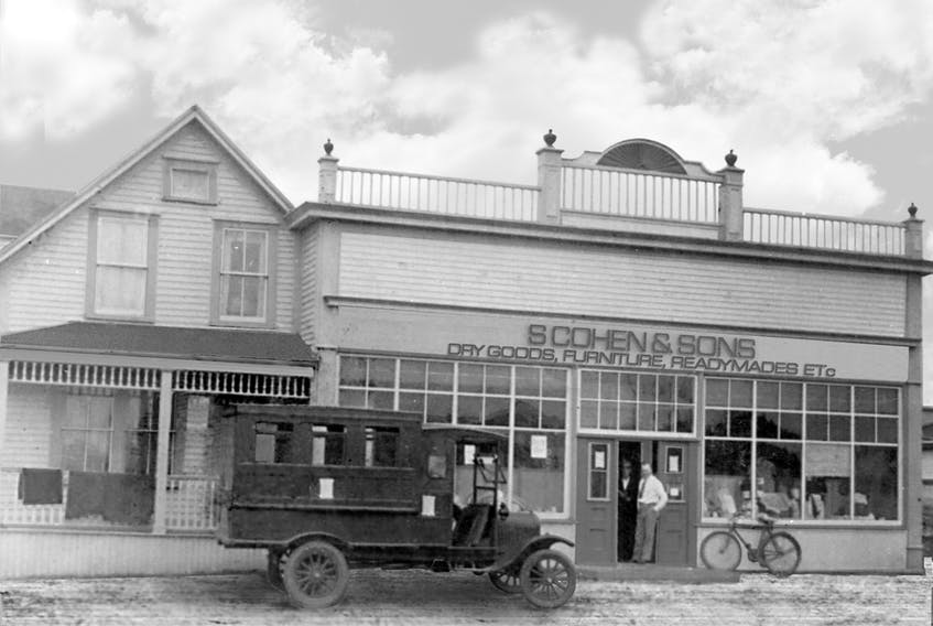 1925: As Cohen's continued to grow, a private bus service was created in Windsor to serve as a home-to-store convenience for customers.