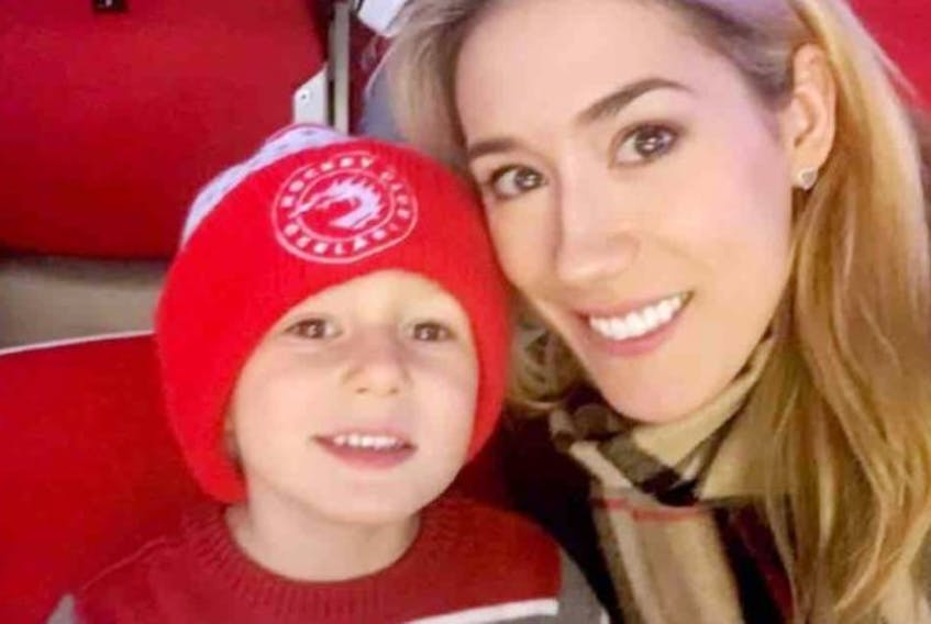 Lindsey Vranova (nee Martin) passed away tragically in the Czech Republic last week. She is shown with her son.