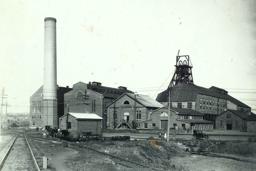 Photo shows the Allan Mine on the outskirts of Stellarton in the early 20th century (courtesy Museum of Industry).