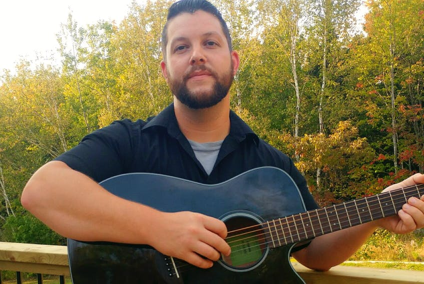 Steven Auld will be performing Monday at the Green Hill – Alma United Church.