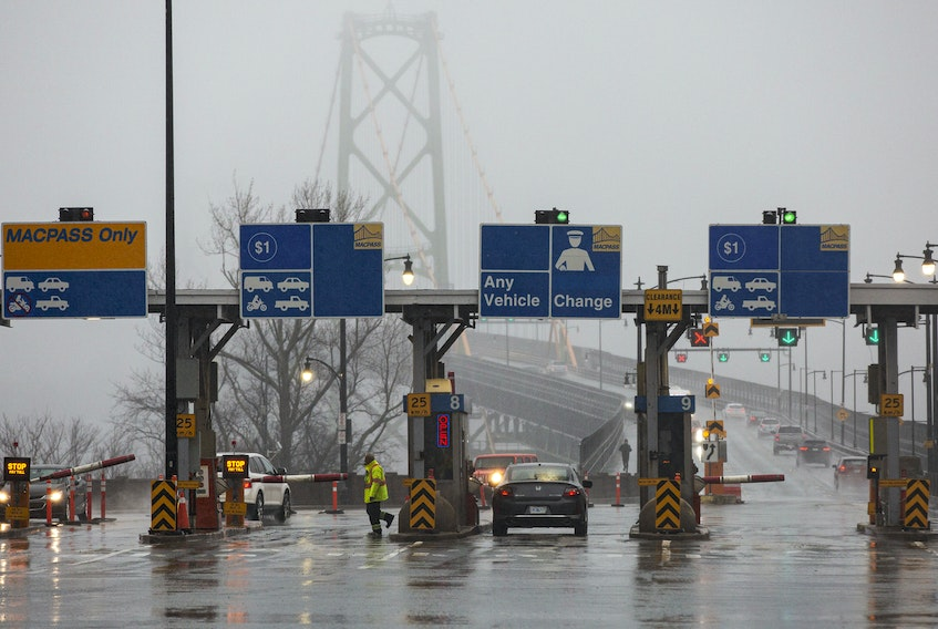 Traffic approaching the Macdonald Bridge in Dartmouth, N.S. at 8:27 a.m. on Friday, March 20, 2020.