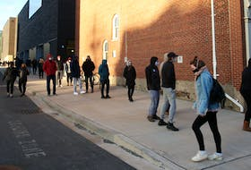 FOR NEWS STORY: Hundreds of students lined up for COVID-19 tests at a pop-up testing site in the Richard Murray Design Building in Halifax Tuesday November 24, 2020.  TIM KROCHAK PHOTO