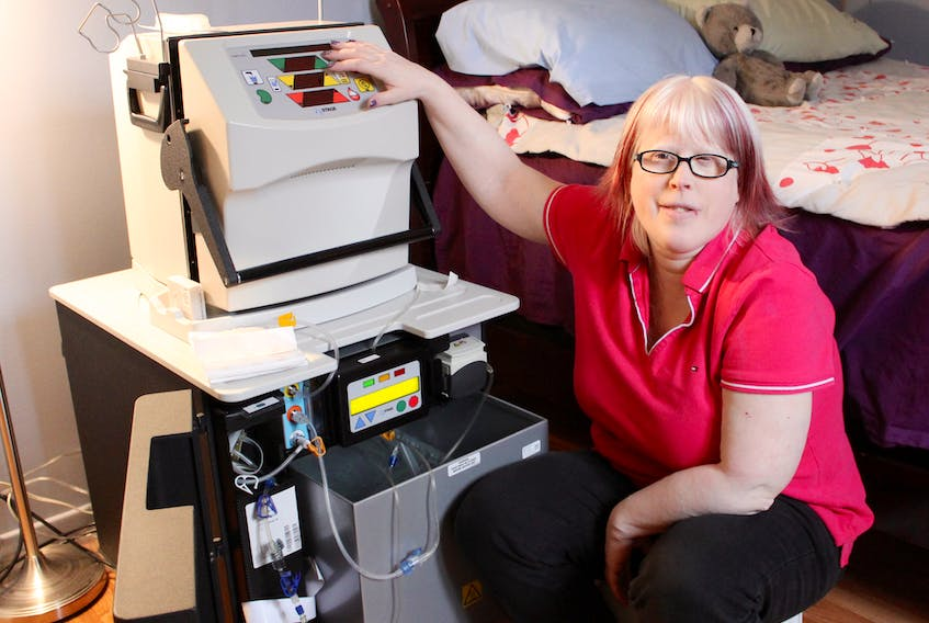 Sheena King explains how her NxStage home dialysis machine has changed her life.