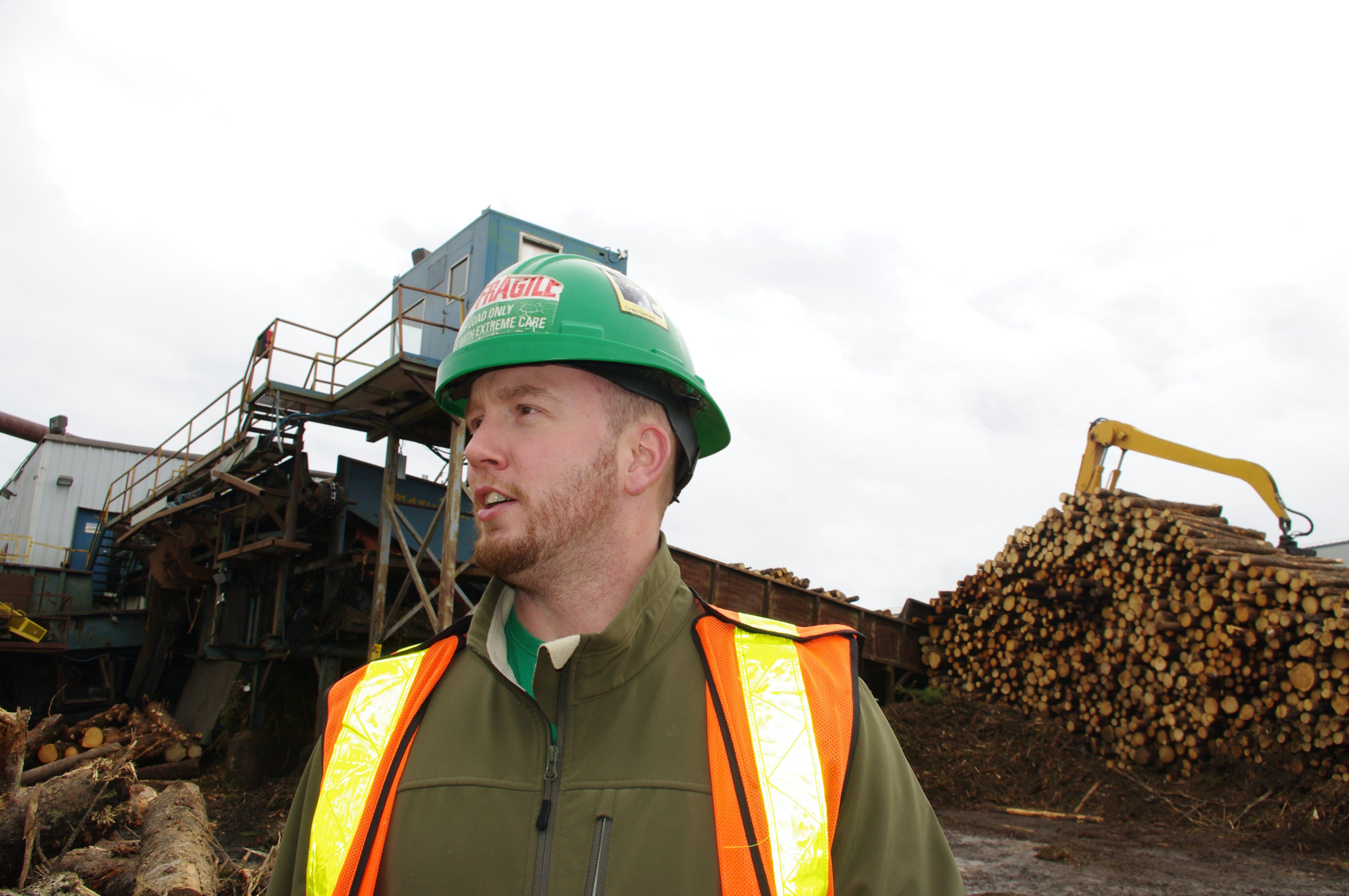 Scotsburn Lumber mill has made a deal to sell woodchips to Port Hawkesbury Paper. The mill used to sell chips to Northern Pulp in Pictou County. In this file photo, a worker is seen at the lumber mill.