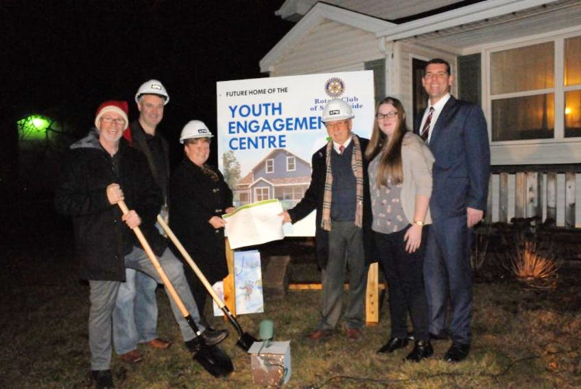 <p>The Summerside Youth Engagement Centre officially announced a construction start date on Thursday and club management were joined by some of the major contributors for the occasion. Photographed from left are, Tim Banks, of APM who donated $50,000 through his company, Paul Power of the Summerside Rotary Club, which contributed $60,000, Egmont MP Gail Shea, Summerside Mayor Bill Martin, Rachel Barry, with the P.E.I. Youth Council, and Adam Binkley with the Summerside Boys and Girls Club.&nbsp;</p>