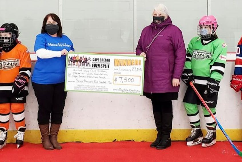 Several Cape Breton hockey associations and teams came together recently to make $7,500 in donations to the United Way, Make-A-Wish Foundation and Transition House. Associations and teams involved include the Cape Breton County Minor Hockey Association, Cape Breton Blizzard Female Hockey Association, Sydney Minor Hockey Association, Cape Breton Lynx, Cape Breton Jets, Joneljim Cougars, Sydney Mitsubishi Rush and Kameron Jr. Miners. From left, Maranne Currie, Nicholas Lawrence, Farrah Coffin, Cathy Sutherland (Make-A-Wish Foundation), Helen Morrison (Transition House), Rhyan Paul, Jacob Marks and Brody Campbell. CONTRIBUTED • CHRISTINA LAMEY