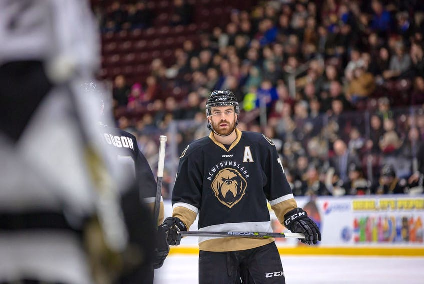 Zach O'Brien scored the game-winning goal at 18:31 of the third period Saturday night as the Newfoundland Growlers trimmed the Manchester Monarchs 4-2 to even the North Division final at a game apiece.