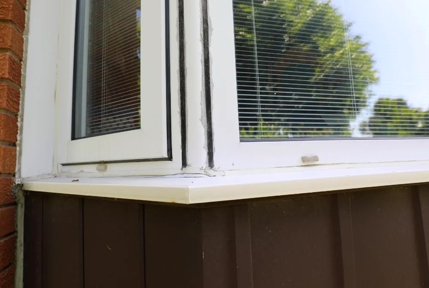 Replace old, damaged caulking to keep drafts and water out of your windows, Mike Holmes advises.