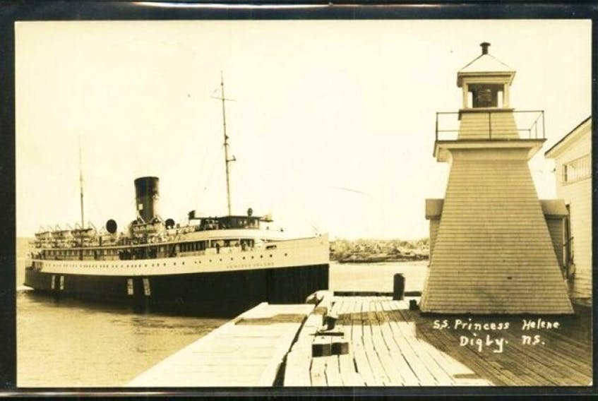 <p>The Digby Pier Light in its original location.</p>
