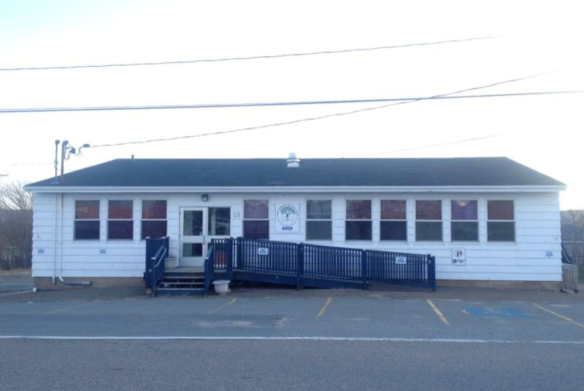 <p>Digby town council is considering two proposals from community groups who'd like to take over the former Mount Street school.</p>