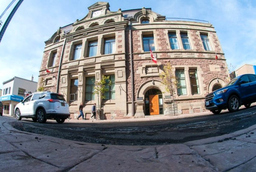 Traffic crawls past Town Hall on Provost St in New Glasgow as road work continues to frustrate businesses and custumers alike. Heated duscussion took place Tuesday night between local business peole and council in regards to the road work taking place. (Mark Goudge/SaltWire Network)