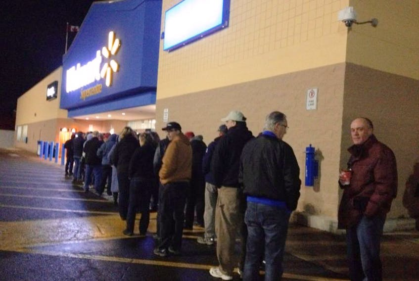 Shoppers line up at 5:50 am