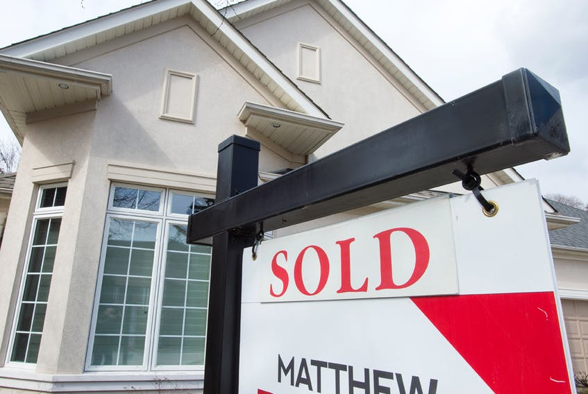 Mortgage rates are rising again amid economic uncertainty.