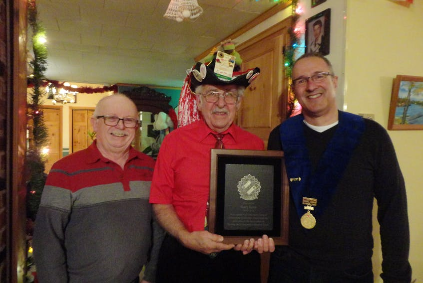 Liverpool Kinsman Life Member Gary Levy was recently presented with the Kin Canada Lifetime Achievement Award. From left, Liverpool Kinsmen president Brian Godfrey, Gary Levy (wearing his trademark convention hat), and Kinsmen Zone B deputy governor Bill Gullage of Halifax. This award, considered to be the highest award in the association, is awarded to a member who has dedicated his or her Kin life to the betterment and the furthering of the association and its goals. The recipient must have a minimum 25 years as a Kin Canada member. Levy has been a Liverpool Kinsman for 45 years. CONTRIBUTED